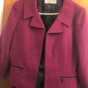 2 pieces suit in very good condition